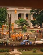 WILLARD (FC) : Saigon… merda. Sono ancora soltanto a Saigon. Ogni volta penso di svegliarmi nella giungla.