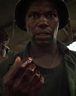 Mentre LANCE prende il timone, CHIEF sente il sangue di CLEAN sulla propria mano.