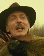 Giovanni lo agguanta per fermare la sua furia.  //  GIOVANNI: Ma cosa ti sei messo in testa? Vuoi fare la guerra da solo?