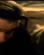 Ma Attila lo agguanta per una caviglia.  //  ATTILA: Patrizio! Non andrai mica a raccontarlo agli altri, vero?