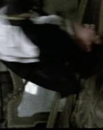 Mentre Regina ride istericamente, Attila incomincia a fare roteare Patrizio come se fosse senza peso. A ogni giro la testa del bambino sbatte contro un pilastro di mattoni, che ben presto si macchia di sangue, di capelli e di materia cerebrale. Deve essere già morto ma Attila continua a farlo sbattere e roteare, roteare e sbattere. Finché lo lancia via con un urlo disumano. La risata di Regina si trasforma in un grido di raccapriccio.