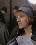 ANITA: Così vieni qui, elegante e profumata, per prenderci in giro, vero? Stupida! Come ci chiamate voialtri? Bifolchi, eh? Zoticoni, vero?  //  Arrivato insieme a Olmo, Alfredo cerca di far riconciliare le due donne.